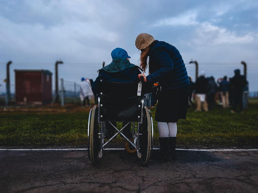 You are currently viewing Poszukujemy asystentów osoby niepełnosprawnej